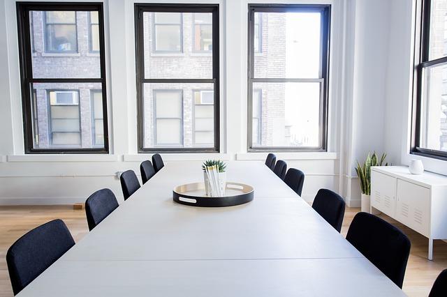 Ordentliche Sitzungszimmer können wir mit unseren Angeboten für Firmen ermöglichen